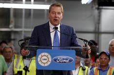Ford Motor Executive Chairman Bill Ford addresses assembly workers during a celebration of production of the Shelby GT350R Mustang vehicle at the Ford Motor Flat Rock Assembly Plant in Flat Rock, Michigan, August 20, 2015.  REUTERS/Rebecca Cook