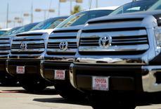 Toyota Motor va rappeller près de 1,6 million de véhicules de plus aux Etats-Unis en raison d'airbags Takata potentiellement défectueux. /Photo d'archives/REUTERS/Mike Blake