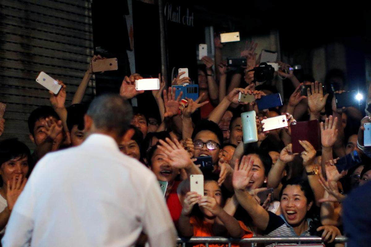 Obama prods Vietnam on rights after activists stopped from meeting him