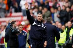Football - Sunderland v Leicester City - Barclays Premier League - Stadium of Light - 16/5/15 Leicester City manager Nigel Pearson waves to fans after avoiding relegation at the end of the game Action Images via Reuters / Lee Smith Livepic