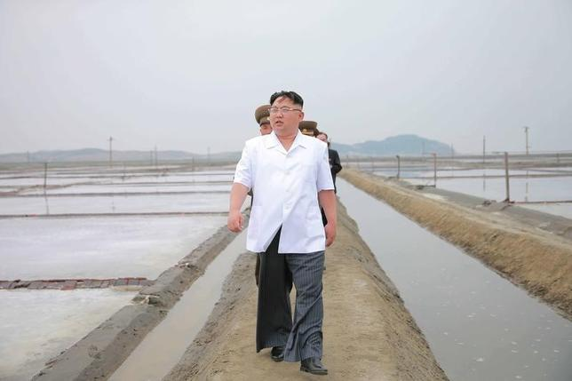 North Korean leader Kim Jong Un visits the Kwisong Saltern to learn about the salt production from underground ultra-saline water by the KPA in this undated photo released by North Korea's Korean Central News Agency (KCNA) on May 24, 2016. REUTERS/KCNA