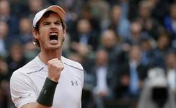 Andy Murray reacts.  REUTERS/Gonzalo Fuentes