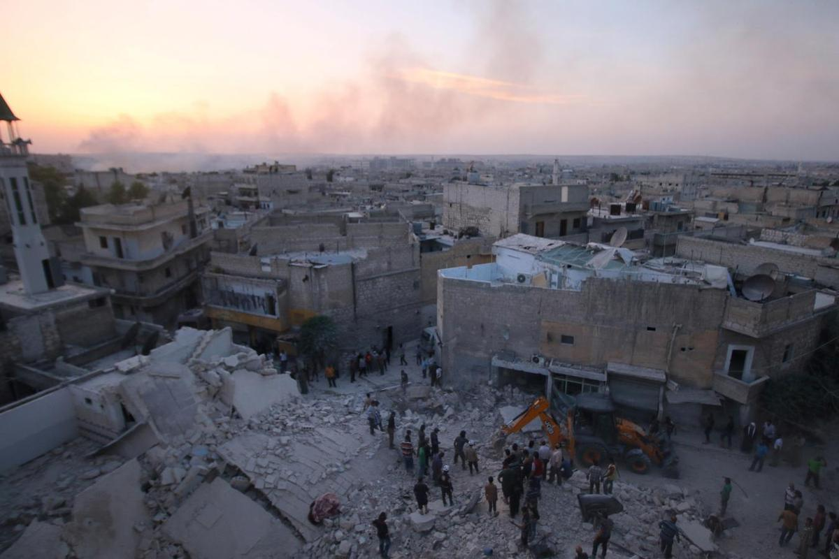 Syrian and Russian aircraft step up bombing of Aleppo city - monitor