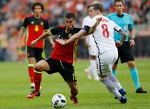 Football Soccer - Belgium v Norway - International Friendly - Brussels, Belgium - 5/06/16. Belgium's Eden Hazard in action with Norway's Stefan Johansen (R).  REUTERS/Francois Lenoir
