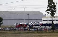 Vehículos en la planta manufacturera de Volkswagen en Puebla, México, sep 21, 2015. La producción de vehículos ligeros de México bajó un 3.1 por ciento interanual en mayo, mientras que las exportaciones cayeron un 6.0 por ciento, dijo el lunes la Asociación Mexicana de la Industria Automotriz (AMIA).  REUTERS/Imelda Medina