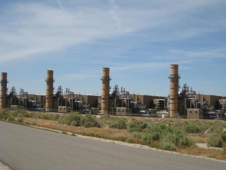 The La Paloma natural gas-fired generating plant is shown in McKittrick, California, U.S., April 20, 2009.  Courtesy of Rockland Capital/Handout via REUTERS