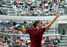 Roger Federer durante partida no Aberto da Itália.     11/05/2016  REUTERS/Stefano Rellandini