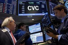 Les autorités de l'Etat de New York ont donné leur accord mercredi au rachat de Cablevision Systems par Altice pour 17,7 milliards de dollars (15,7 milliards d'euros), une opération qui créera le numéro quatre de la télévision par câble aux Etats-Unis. /Photo prise le 17 septembre 2015/REUTERS/Brendan McDermid