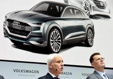 Volkswagen CEO Matthias Mueller addresses a news conference at Volkswagen's headquarters in Wolfsburg, Germany June 16, 2016. REUTERS/Fabian Bimmer