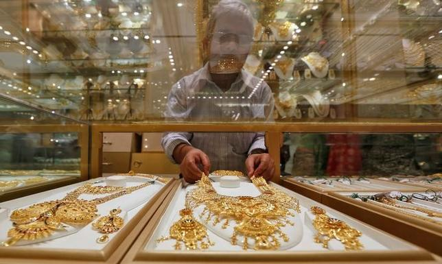 India wants private sector to explore for diamonds, gold