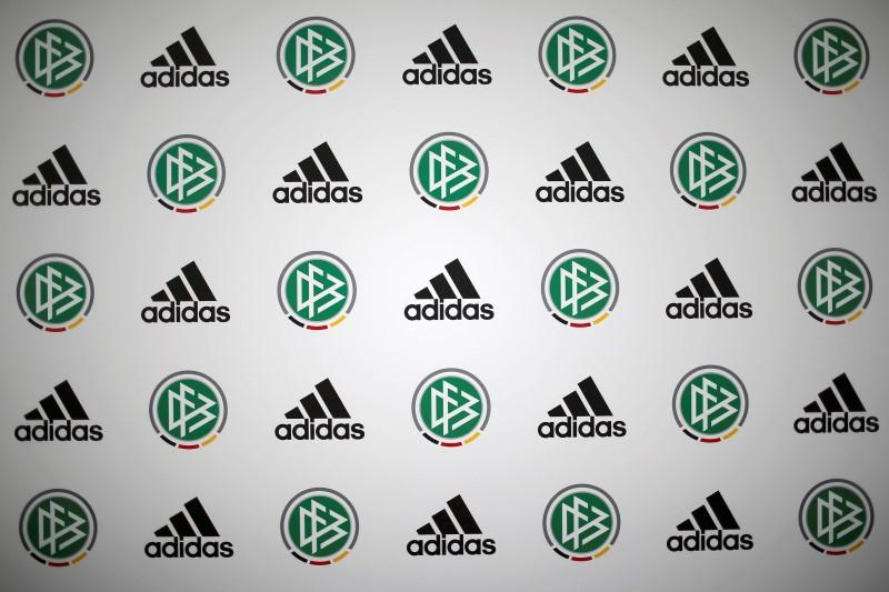 Adidas Agrees Record New Deal With German Soccer Team Reuters