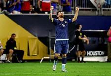 Lionel Messi comemorando gol em vitória sobre Estados Unidos na Copa América Centenário.    21/06/2016       Kevin Jairaj-USA TODAY Sports