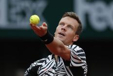 Tennis - French Open Men's Singles Quarterfinal match - Roland Garros - Novak Djokovic of Serbia vs Tomas Berdych of the Czech Republic - Paris, France - 02/06/16. Tomas Berdych serves the ball.   REUTERS/Benoit Tessier