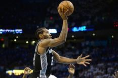 Kawhi Leonard, do San Antonio Spurs, durante partida contra o Oklahoma City Thunder  06/05/2016  REUTERS/Mark D. Smith-USA TODAY Sports