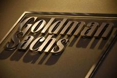 Логотип Goldman Sachs в офисе компании в Сиднее. Великобритания до конца этого года, скорее всего, столкнется с рецессией в результате решения о выходе из Евросоюза, которое также скажется на глобальном экономическом росте, сообщили в воскресенье ведущие экономисты Goldman Sachs. REUTERS/David Gray