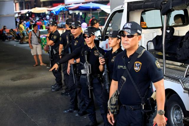 As Duterte takes over in Philippines, police killings stir fear