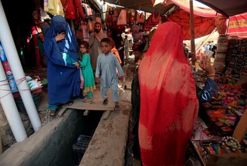 Pakistan plans talks with Afghanistan, U.N. agency over refugees' return