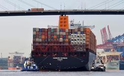 Les exportations ont baissé (-1,8% ) en mai contre toute attente, subissant leur recul le plus marqué depuis neuf mois, tandis que les importations (+0,1%) ont moins augmenté que prévu. /Photo d'archives/REUTERS/Morris Mac Matzen