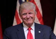 Дональд Трамп на мероприятии в рамках своей предвыборной кампании в Роли, Северная Каролина. 5 июля 2016 года. Советник кандидата в президенты США Дональда Трампа ушёл от ответа на вопросы о политике США по отношению к России в ходе своего визита в Москву в четверг. REUTERS/Joshua Roberts