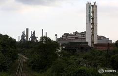 Una vista general de la siderúrgica brasileña Usiminas en Cubatao, Brasil, foto tomada el 4 de abril de 2016. REUTERS/Paulo