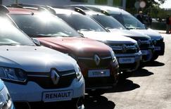 Renault vehicles are on display in a dealing centre Renault store in Minsk, Belarus June 9, 2016. REUTERS/Vasily Fedosenko