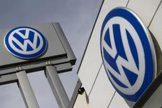 The logos of German carmaker Volkswagen is seen at a VW dealership in the Queens borough of New York, September 21, 2015. REUTERS/Shannon Stapleton/File Photo