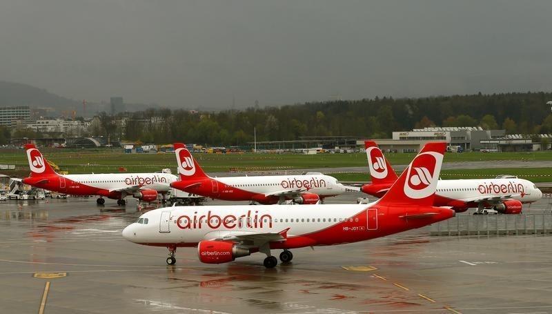 Air Berlin schafft Gratis-Getränke auf Europaflügen ab