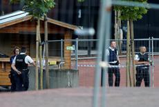 L'organisation Etat islamique a revendiqué dimanche via son organe de communication Amaq l'attaque survenue la veille à Charleroi en Belgique, au cours de laquelle deux policières ont été blessées à coups de machette et l'agresseur a été abattu. /Photo prise le 6 août 2016/REUTERS/Francois Lenoir