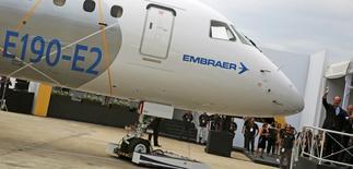 Aeronave  Embraer E190-E2 é lançada em São José dos Campos, Brasil 25/02/2016 REUTERS/Nacho Doce