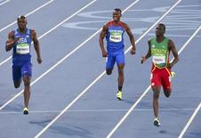 2016 Rio Olympics - Athletics - Semifinal - Men's 400m Semifinals - Olympic Stadium - Rio de Janeiro, Brazil - 13/08/2016.  LaShawn Merritt (USA) of USA, Nery Brenes (CRC) of Costa Rica and Kirani James (GRN) of Grenada compete. REUTERS/David Gray
