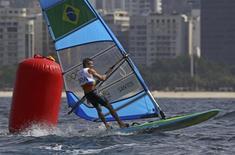 2016 Rio Olympics - Sailing - Preliminary - Men's Windsurfer - RS:X - Race 1/2/3 - Marina de Gloria - Rio de Janeiro, Brazil - 08/08/2016. Ricardo Santos (BRA) of Brazil competes. REUTERS/Brian Snyder