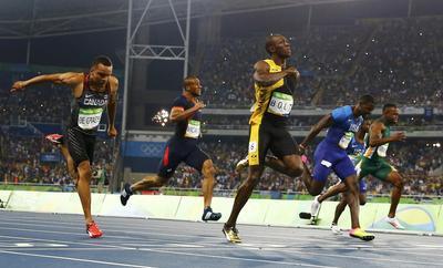 Usain Bolt wins the 100m
