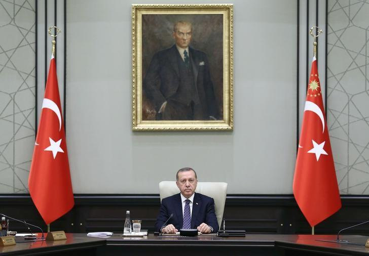 Turkey's President Tayyip Erdogan chairs a cabinet meeting at the Presidential Palace in Ankara, Turkey, August 15, 2016. Yasin Bulbul/Presidential Palace/Handout via REUTERS