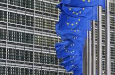 La Commission européenne a rejeté jeudi les critiques du Trésor américain visant ses enquêtes sur les accords fiscaux avantageux conclus par certaines multinationales comme Apple ou McDonald's avec des Etats de l'Union, en affirmant qu'elle n'était influencée par aucun préjugé anti-américain. /Photo d'archives/REUTERS/Yves Herman