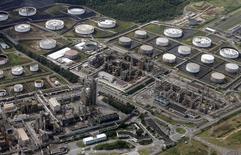 An aerial view of Petrobras' Presidente Bernardes Refinery unit in Cubatao April 2, 2015.  BRAZIL/Paulo Whitaker