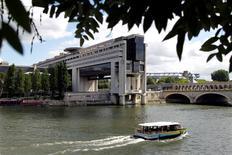 Le déficit du budget de l'Etat français s'élevait à 80,8 milliards d'euros à fin juillet, en baisse d'un milliard par rapport à la même période il y a un an. /Photo d'archives/REUTERS/Charles Platiau
