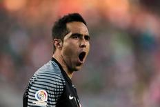 Goleiro chileno Claudio Bravo em partida da Copa América. 18/06/2016 REUTERS/John Hefti-USA TODAY Sports