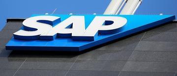 SAP, le leader européen des logiciels, et l'équipementier automobile, Robert Bosch, ont signé un partenariat pour connecter à l'internet toutes sortes d'objets allant du tournevis aux voitures. /Photo prise le 25 juillet 2016/    REUTERS/Leonhard Föger