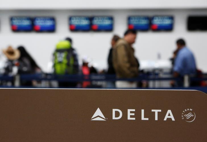 Delta plans regional-jet purchase for up to $2 3 billion