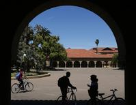 Students retrieve their bicycles after leaving a class, at the Main Quad at Stanford University in Stanford, California, May 9, 2014.      REUTERS/Beck Diefenbach