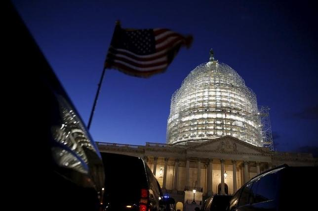 9月28日、米議会は、2001年の米同時攻撃に関して外国政府に対する損害賠償請求を可能にする法案を、オバマ大統領が行使した拒否権を覆して再可決した。写真はワシントンDCで1月撮影(2016年 ロイター/Jonathan Ernst)