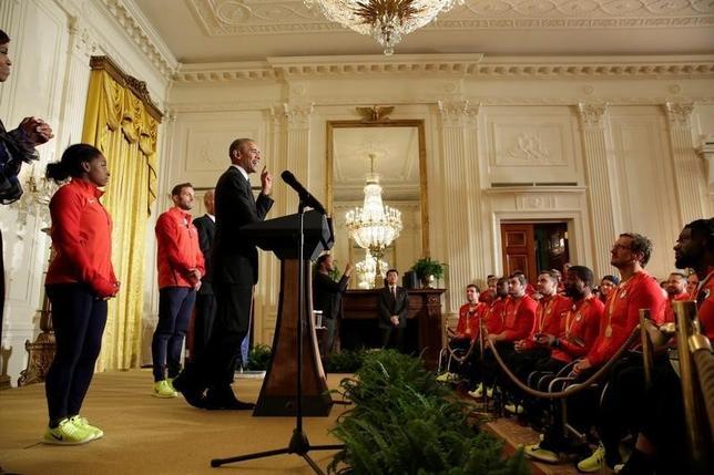 9月29日、オバマ米大統領は、今夏行われたリオデジャネイロ五輪・パラリンピックに参加した同国選手団とホワイトハウスで面会し、記録的なメダル獲得を称えた(2016年 ロイター/Yuri Gripas)
