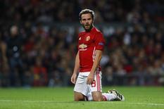 Juan Mata durante partida do Manchester United pela Liga Europa.   29/09/2016 Action Images via Reuters / Jason Cairnduff Livepic
