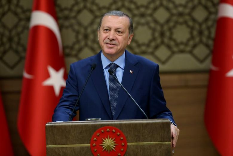 Turkish President Tayyip Erdogan makes a speech during his meeting with mukhtars at the Presidential Palace in Ankara, Turkey, September 29, 2016. Murat Cetinmuhurdar/Presidential Palace/Handout via REUTERS