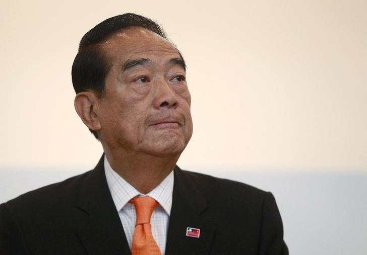 James Soong attends a news conference ahead of the 2016 presidential election in Taipei, Taiwan, January 12, 2016. REUTERS/Pichi Chuang/Files