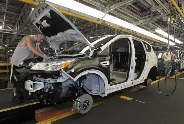 10月5日、8月の製造業受注は前月比0.2%増と2カ月連続のプラスとなった。ケンタッキー州の組み立て工場。2012年撮影(2016年 ロイター//John Sommers II)
