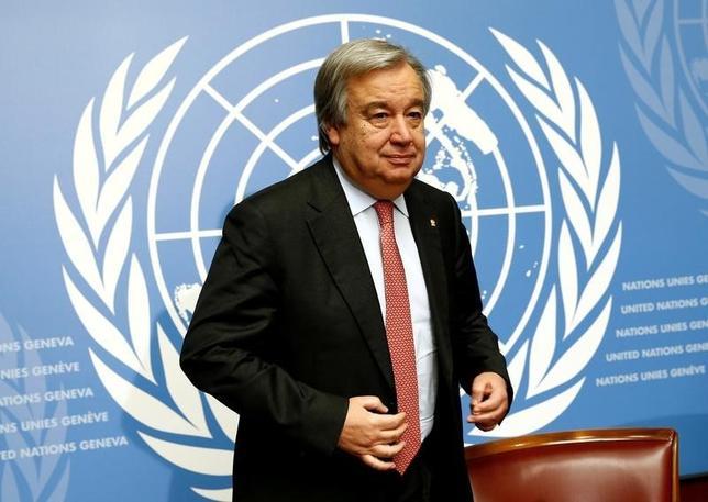 10月5日、国連安全保障理事会の理事国15カ国は、次期事務総長の選出に向けた6回目の予備投票を行い、ポルトガル元首相のアントニオ・グテレス氏(67、写真)が13カ国の支持を集めた。2015年12月撮影(2016年 ロイター/Denis Balibouse)