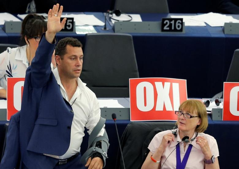 Steven Woolfe (L), of the United Kingdom Independence Party (UKIP), is seen attending a session of the European Parliament in Strasbourg, France, July 8, 2015. REUTERS/Vincent Kessler