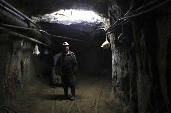 A Kosovar miner goes on strike with others in the Trepca mine in north Kosovo January 21, 2015. REUTERS/Hazir Reka/File Photo
