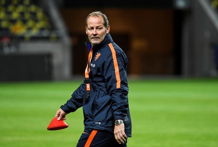 Coach Danny Blind during the training with the Netherlands national football team at the Friends Arena in Stockholm, Sweden, September 5, 2016. Pontus Lundahl/TT News Agency/via REUTERS/Files